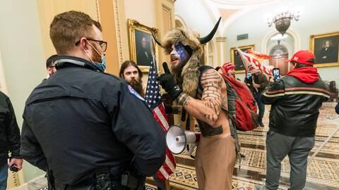 Demonstranter inne i Kapitolium