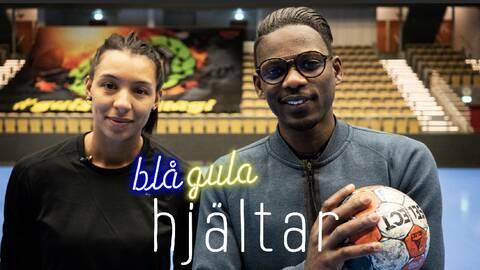 """Förre detta stavhopparen tillika SVT Sports friidrottsexpert Alhaji Jeng (till höger) intervjuar andra svenska landslagsidrottare om rasism i nya programserien """"Blågula hjältar"""". Till vänster handbollsspelaren Jamina Roberts."""