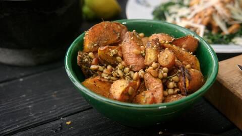 Rostade morötter med sesamfrö och ras el hanut.