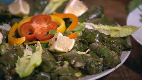 Irakiska grönsaks- och vinbladsdolmar.