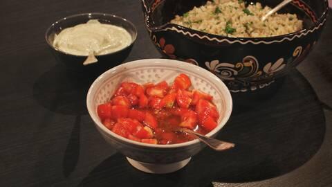 Tomatsalsa i skål.