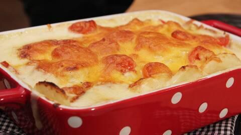 Potatisgratäng med två sorters ost.