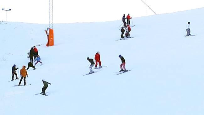 Nu Kan Du åka Skidor Både Utför Och På Längden Svt Nyheter