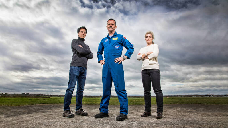 Dr Kevin Fong, Chris Hadfield och Dr Iya Whiteley vid Gloucestershire Airport.