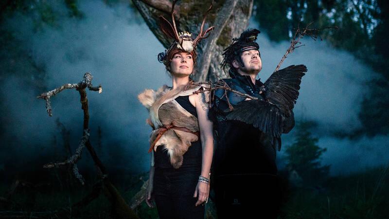 Programledarna Reetta Ranta och Antti Huttunen reser Finland runt i jakt på naturupplevelser som sätter fart på fantasin och natur som har en historia att berätta.