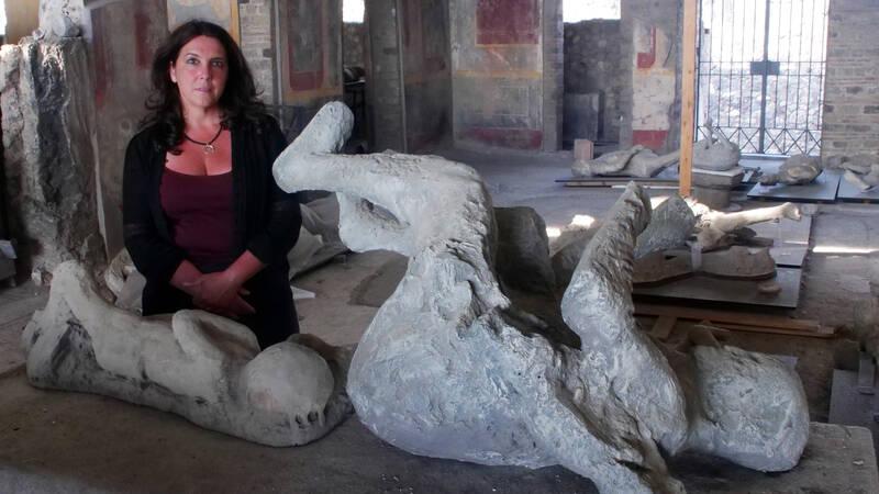 Historiker Bettany Hughes i Pompeji.