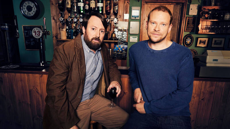 Stephen (David Mitchell) och Andrew (Robert Webb).