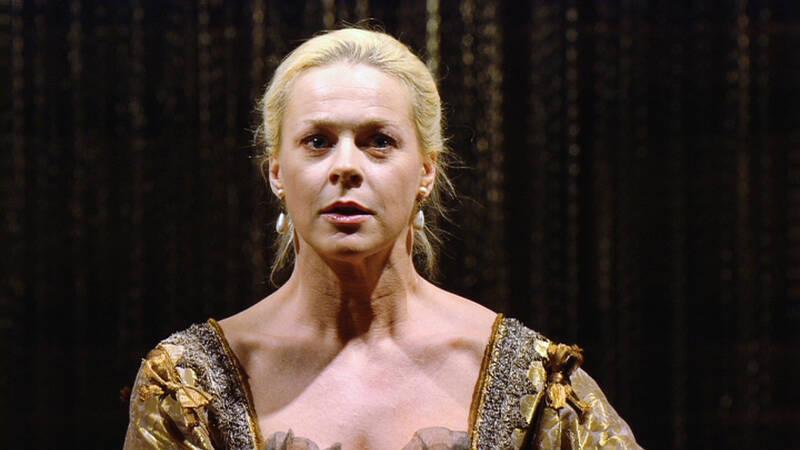 Dido spelas av Malena Ernman.