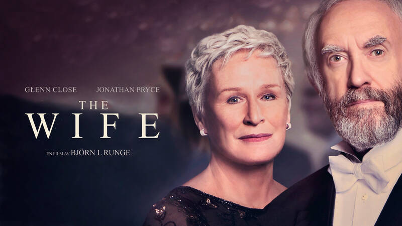 Joan (Glenn Close) och Joe (Jonathan Pryce).