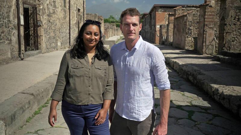 Arkeologen Raksha Dave och historikern Dan Snow.