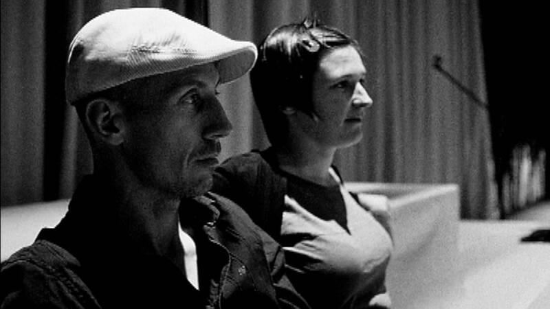 En experimentell kortfilm, med sånger av Kim Hiorthøy, som arbetats fram efter filmade repetitioner av Gunilla Heilborns föreställning Potatislandet.