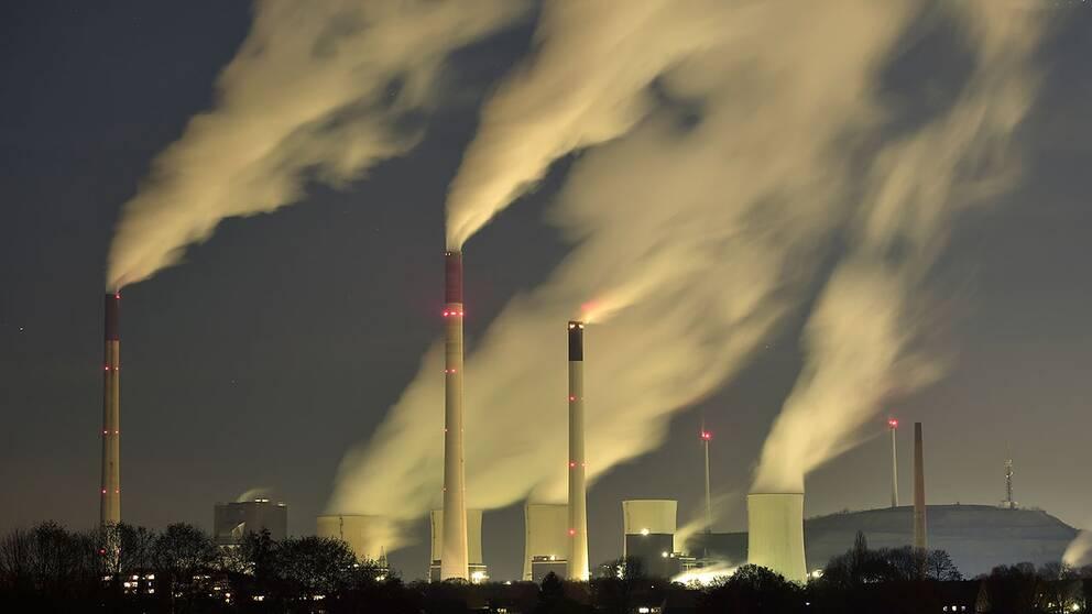 Utsläpp från ett kolkraftverk i Gelsenkrichen, Tyskland.