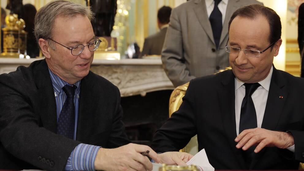 Googles chef Eric Schmidt och Frankrikes president Francois Hollande.