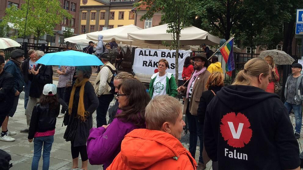 Demonstration mot flytt av asylsökande