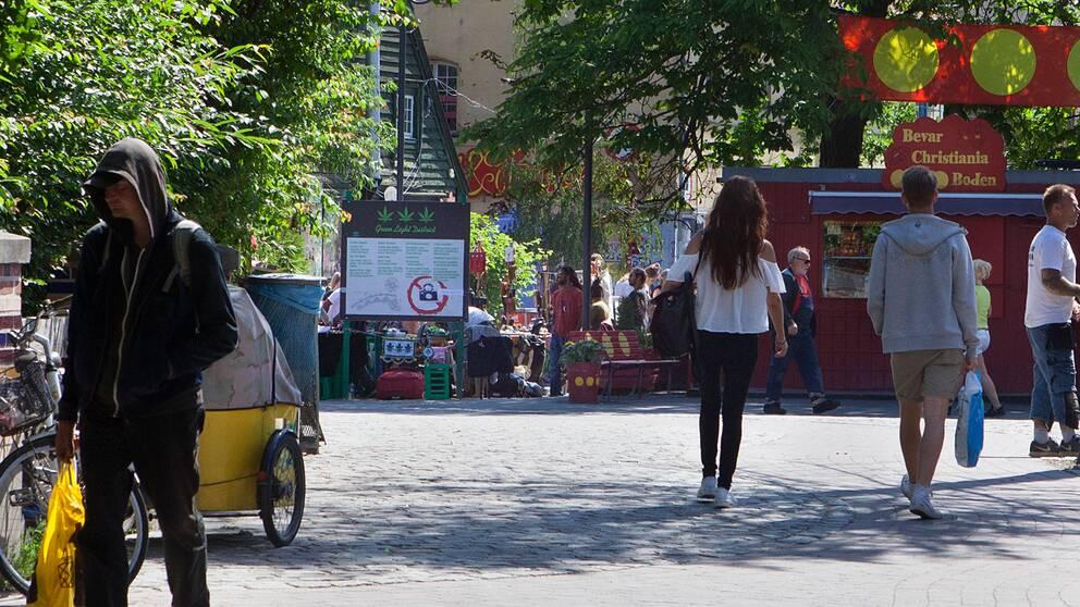 Ingången till Pusher Street på Christiania