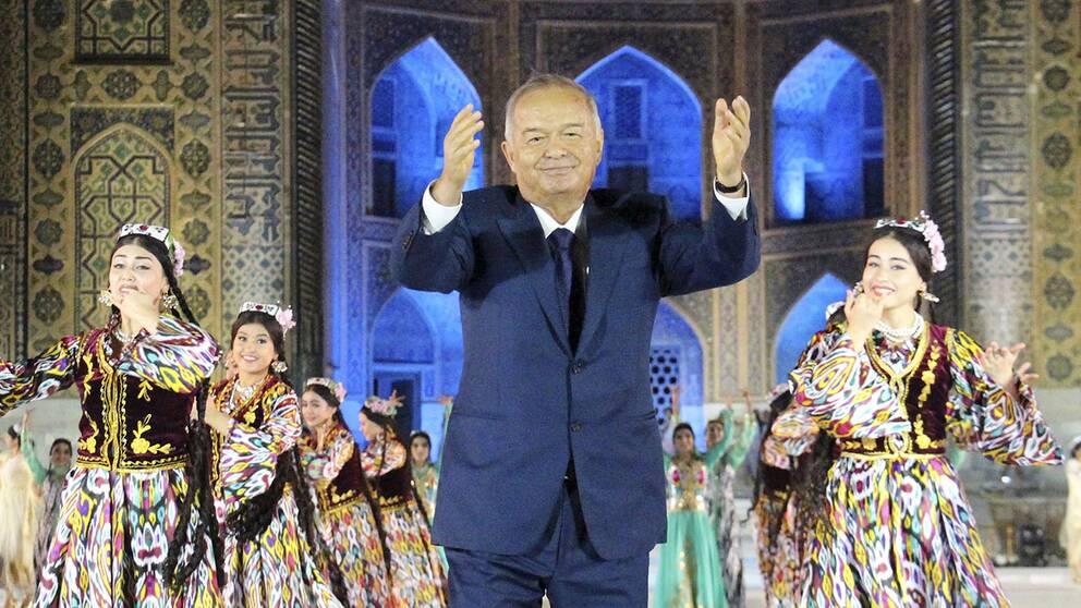 Islam Karimov vid en musikfestival 2015.