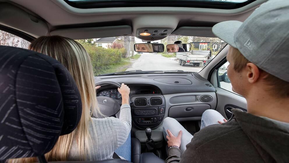 Vänstern och regeringen är överens om CSN-lån för körkort.
