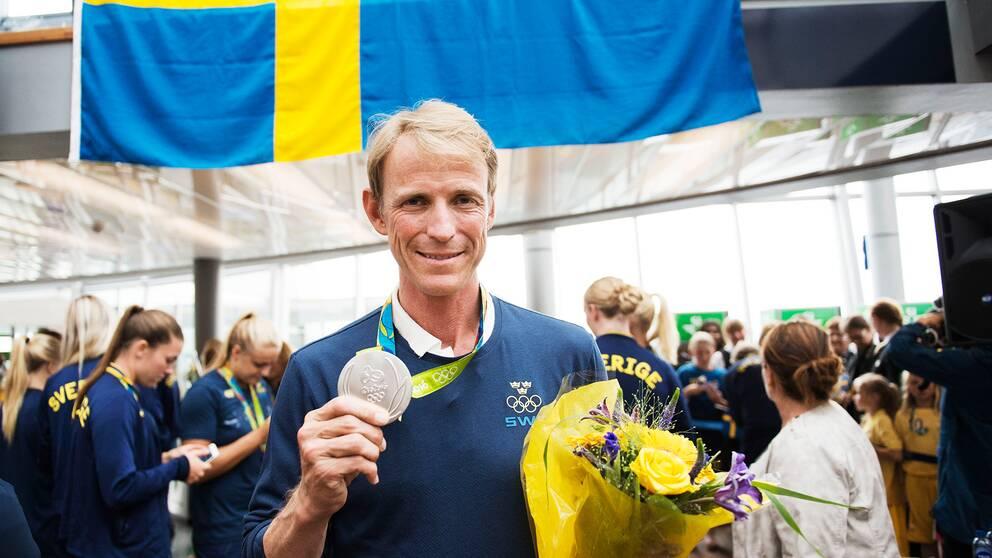 Larsson klattrar pa atp rankingen