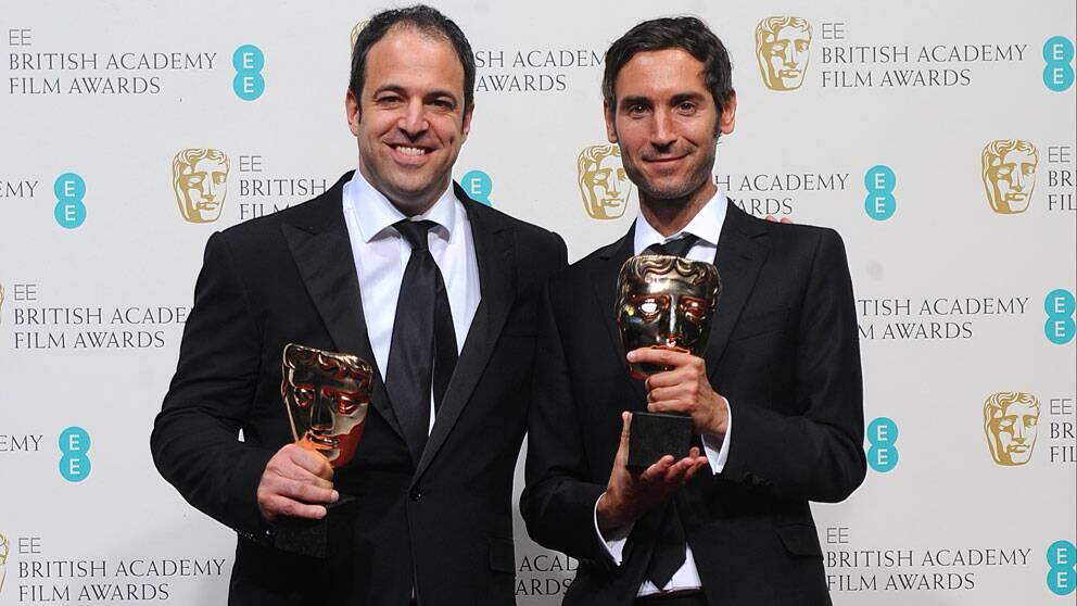 Malik Bendjelloul (th) med Simon Chinn vid Baftagalan i London 2013. Foto: Scanpix