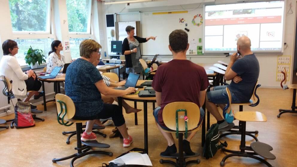 Lärare vid Lillåns skola lär sig ett bloggverktyg