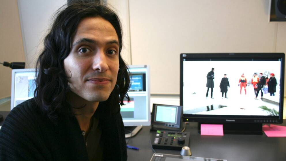 Författaren Jonas Hassen Khemiri, i Babels klipprum på SVT.