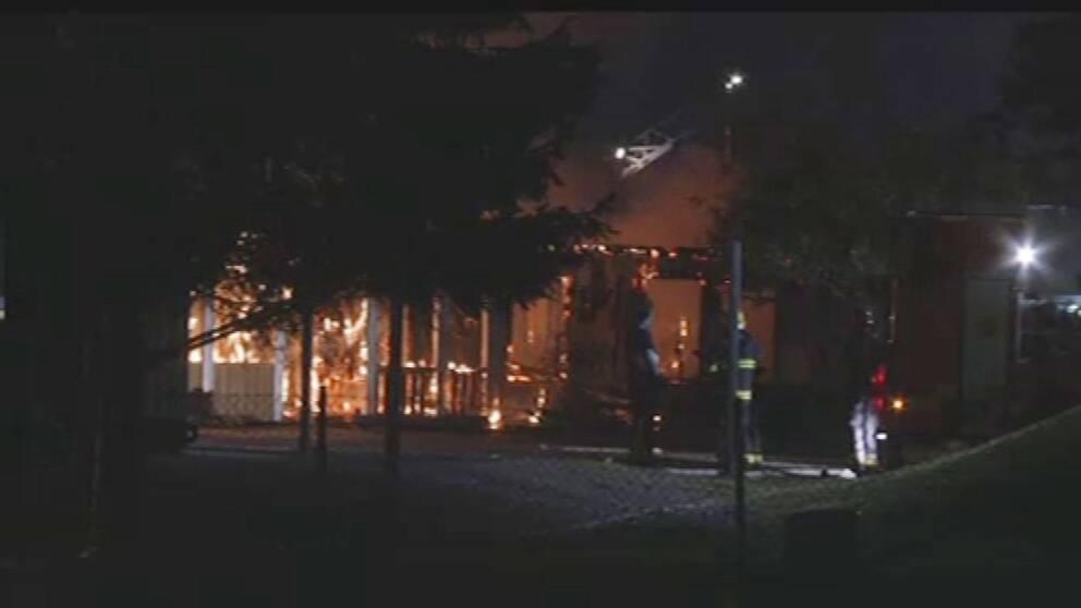 Den brinnande skolan.