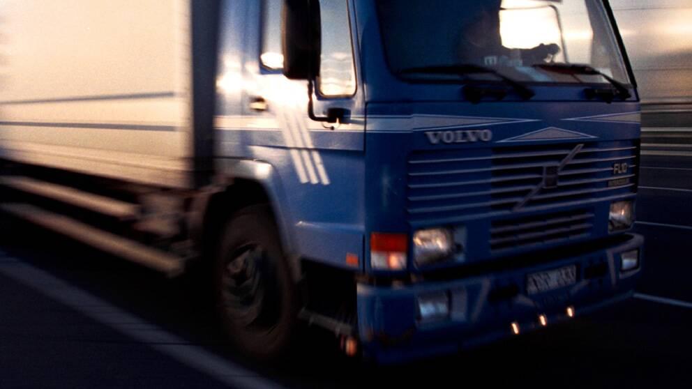 Volvo aterkallar lastbilar