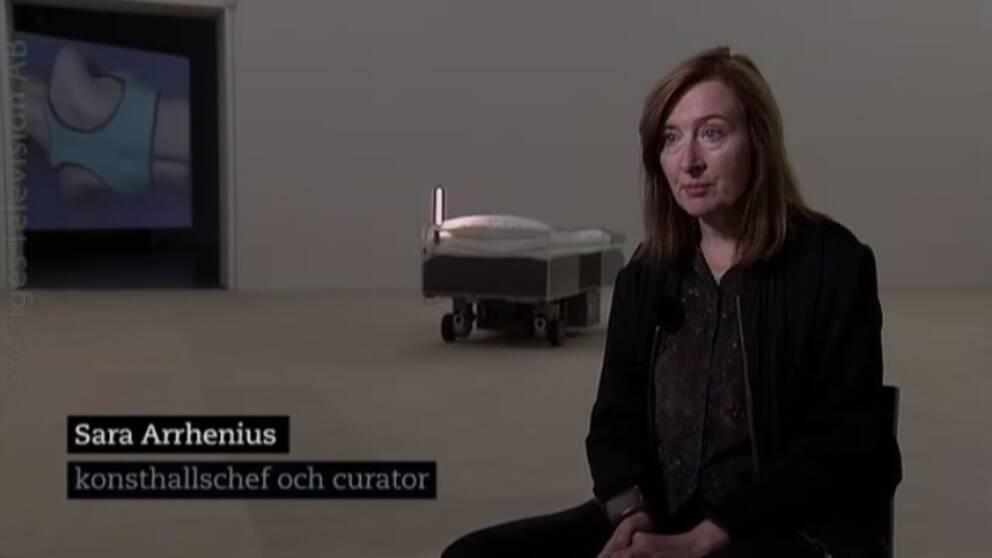 Sara Arrhenius, konsthallens chef och curator för utställningen Insomnia.