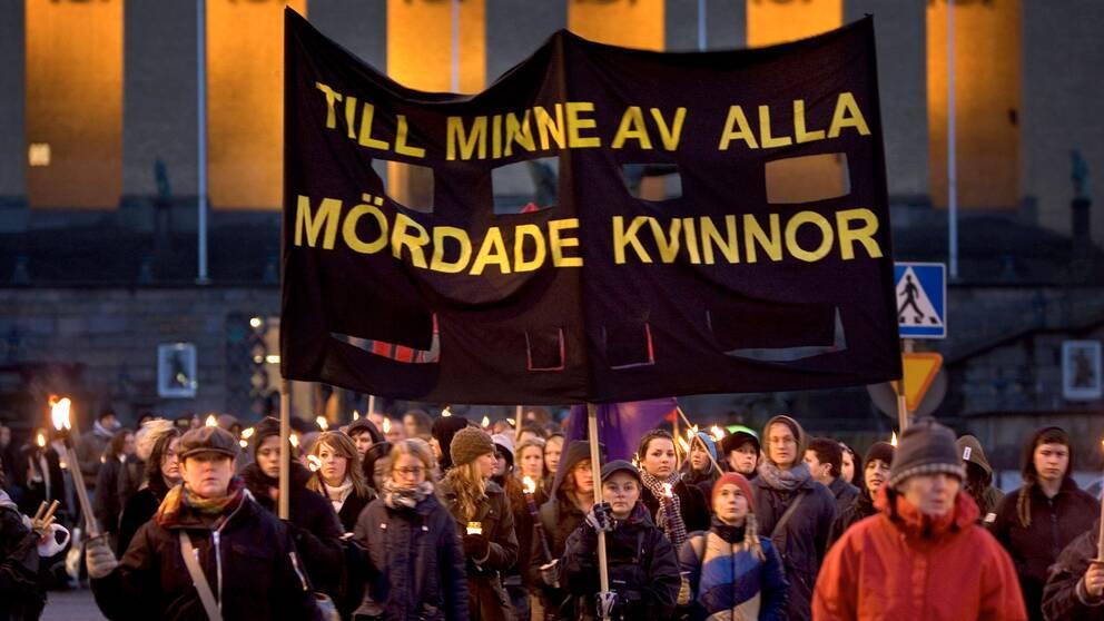 Demonstration i Göteborg för att uppmärksamma mäns våld mot kvinnor. Arkivbild.