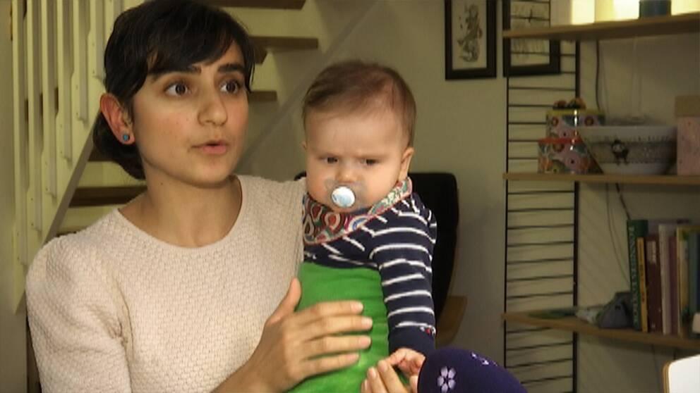 Sara Nilsson Mohammadi med sin dotter.