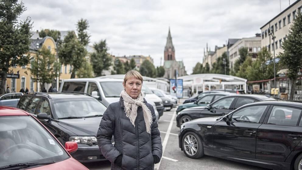 Sara Richert (MP), kommunalråd och gruppledare, på nedre delen av Stortorget i Örebro.