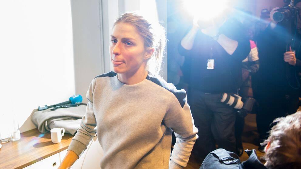 Norge anser att Therese Johaug är under utredning och inte bör stängas av omdelbart för dopningsbrott.