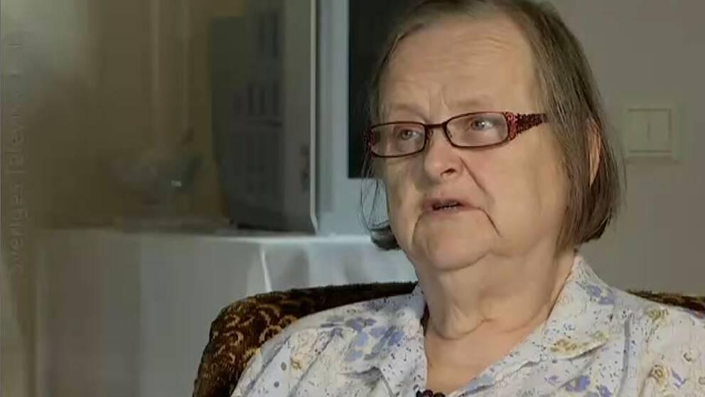 71-åriga Signild i Visby hade svårt att få kontakt med sin förvaltare på fastlandet.