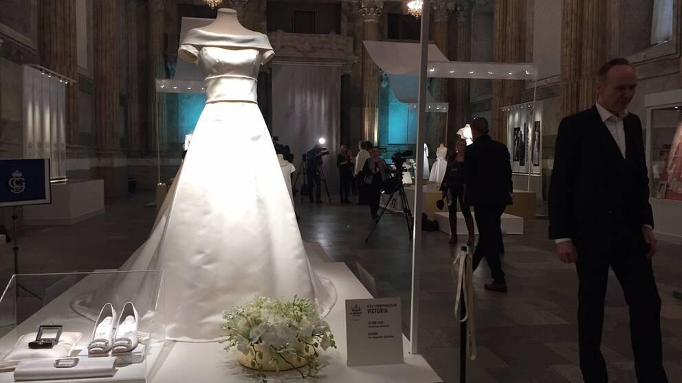 Prinsessan Victorias klänning.