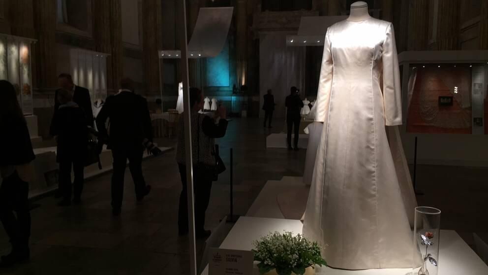 Drottning Silvias klänning.