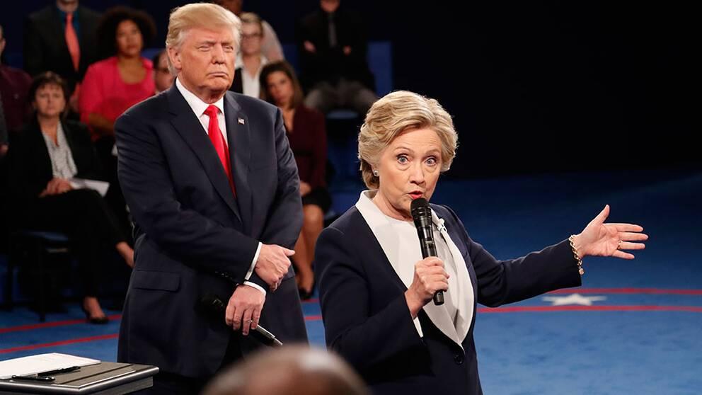 Clinton leder inför sista debatten