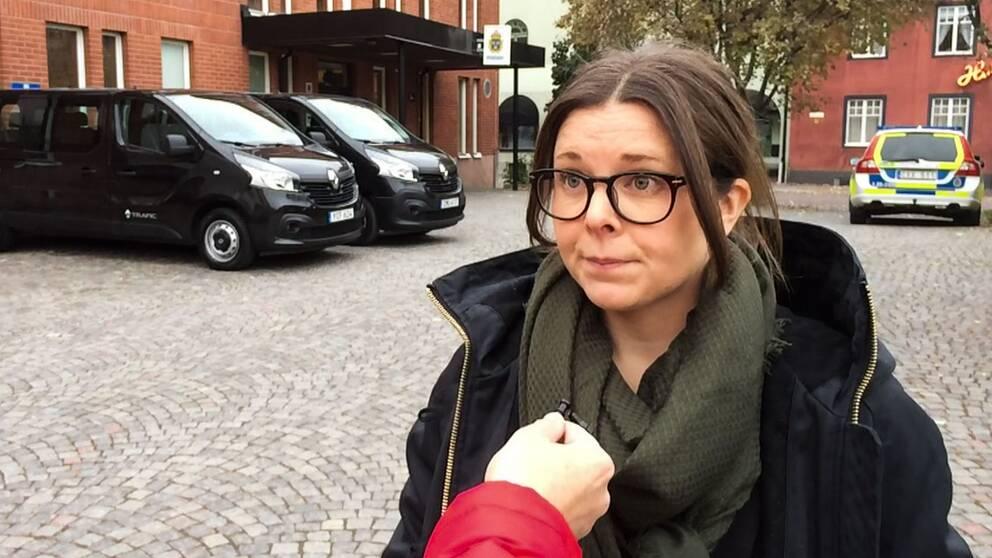 Åklagaren Helena Falkerby.