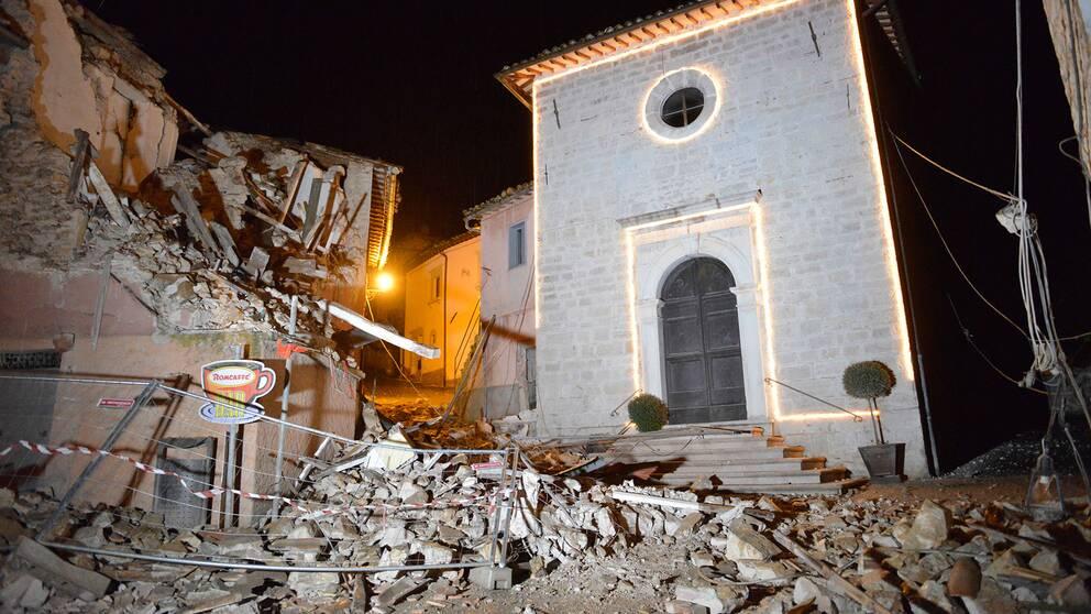 Skadade hus i Castelsantangelo sul Nera.