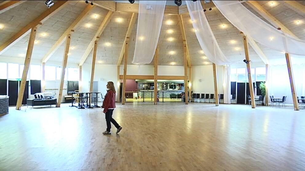 Dansbanan på danspalatset Kaskad i Växjö, som ska rivas