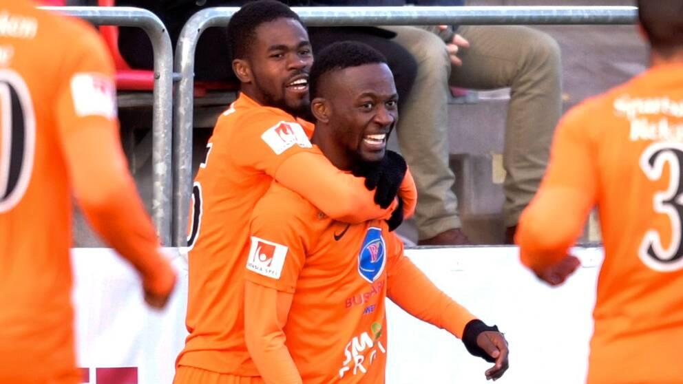 Mohamed Buya Turay gav AFC ledningen med 1–0.