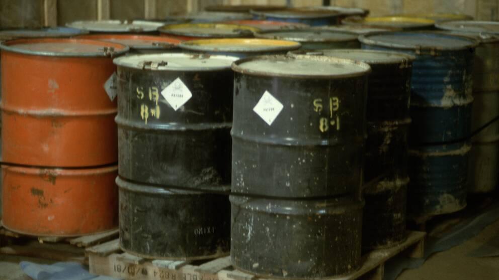 Gifttunnor nedgrävda av BY-Kemi hittades i Teckomatorp 1975.