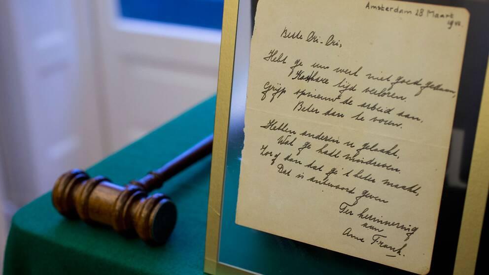 Anne Frank-dikt såldes för miljonbelopp