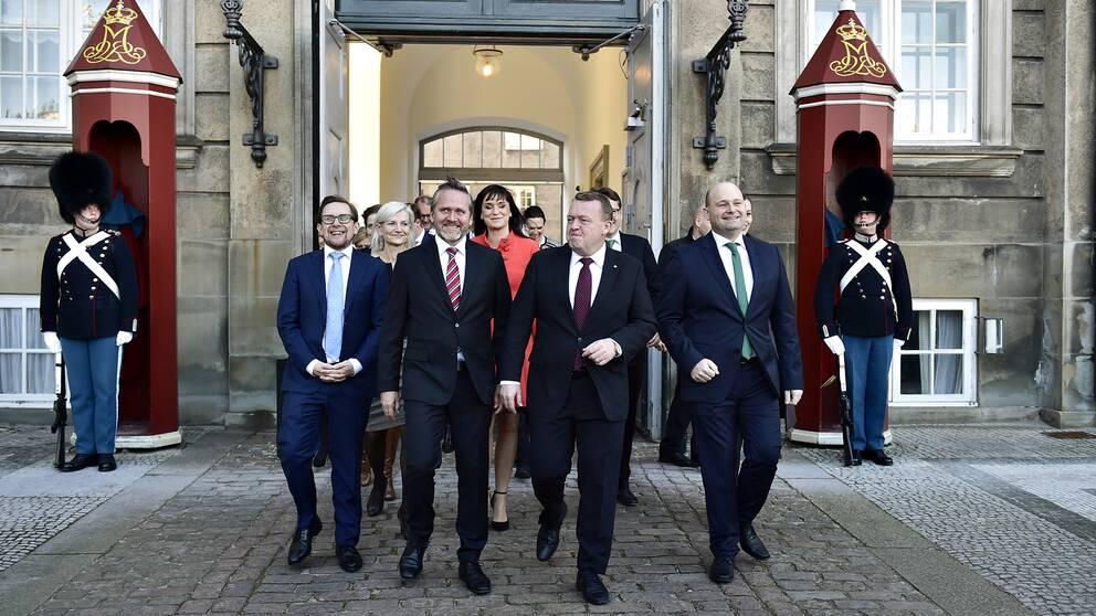 Den nya danska regeringen under ledning av statsminister Lars Løkke Rasmussen.