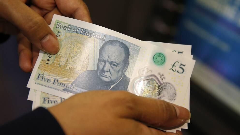 Britternas nya fempundssedel.