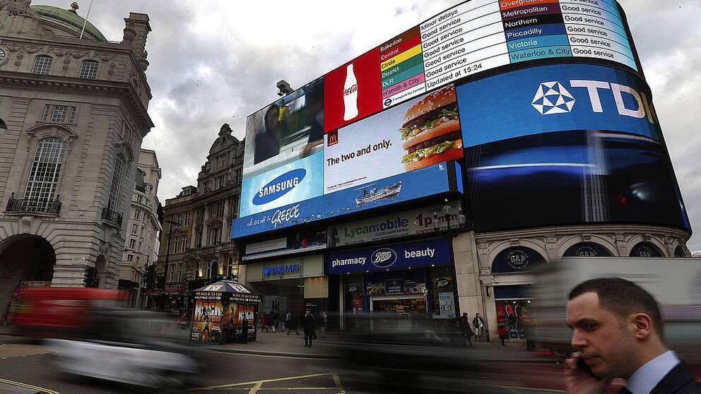 London (bilden) och Amsterdam har satt ett tak för hur många dygn per år man får hyra ut sin bostad på Airbnb.