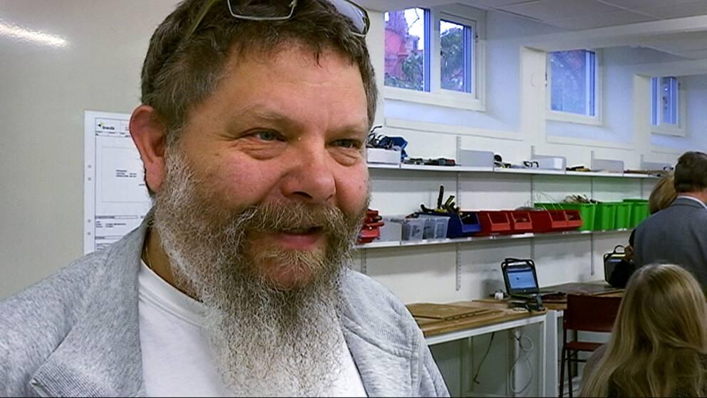 Läraren Mikael Pedersen.