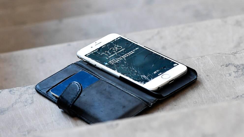 Trasig mobiltelefon.