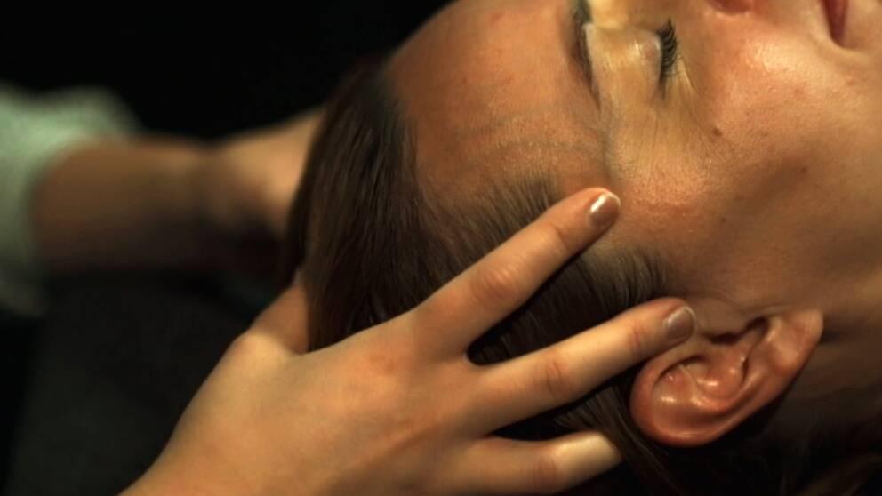 Psykologen erbjöd handpåläggning till cancerpatient