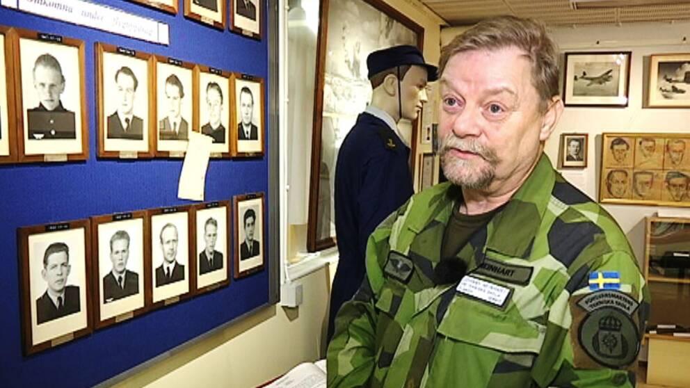 Johnny Neinhart, major på FMTS Halmstad samt museiansvarig.