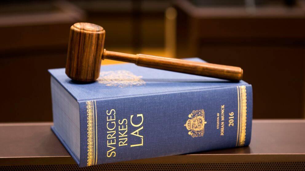 De anhöriga till en 21-årig kvinna som mördades i Upplands Väsby får inte heller skadestånd i hovrätten.